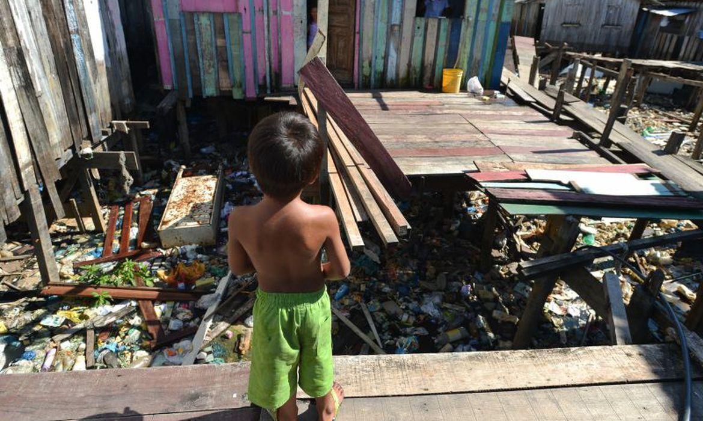 Os novos marcos regulatórios da água e saneamento são destacados no documento como retrocessos na garantia dos direitos. Foto: Marcello Casal Jr/Agência Brasil